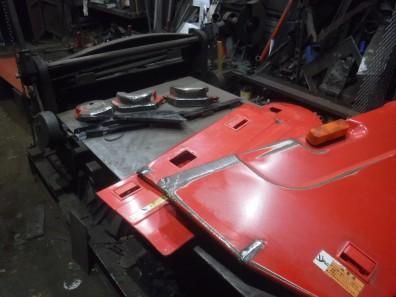 コンバインのカバー類クラック修理