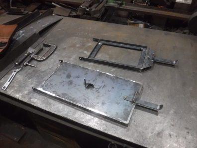 特注オーブン付き薪ストーブの扉制作開始
