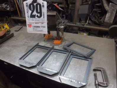 薪ストーブのガラス扉制作